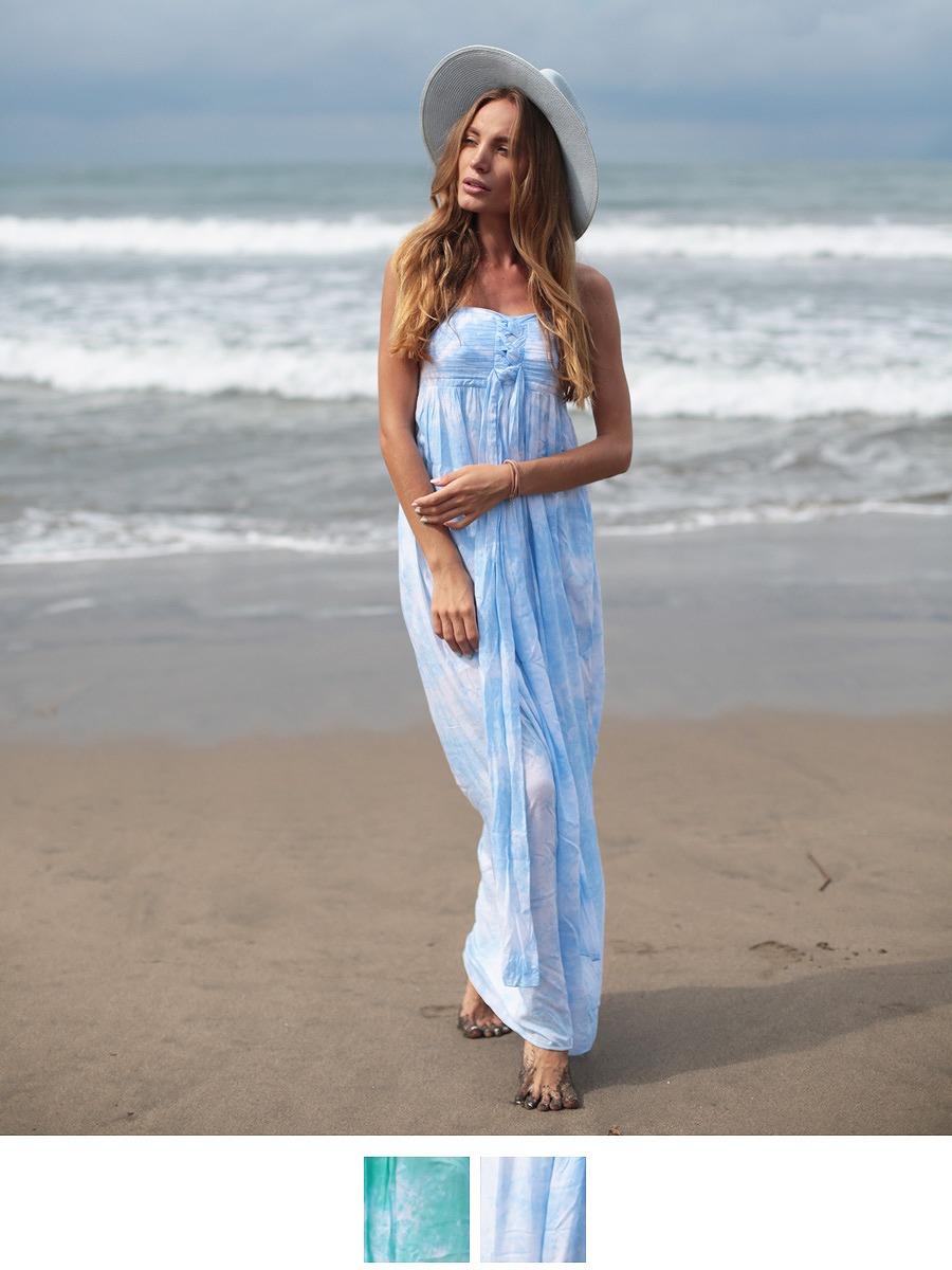 ビーチ・リゾート地への旅行やブライズメイドドレスとしておすすめなタイダイ柄マキシワンピ